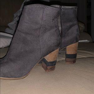 Grey shade boots